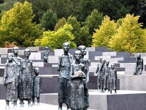 new-monument---Ebbe-Moeller-Jensen---Negativ-Roskilde
