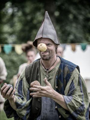 1086-Leif-Alveen-Juggler_026-