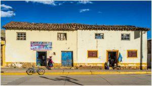 2368-EDDIE-HARLEV-KRISTENSEN-Landsby_i_Peru-