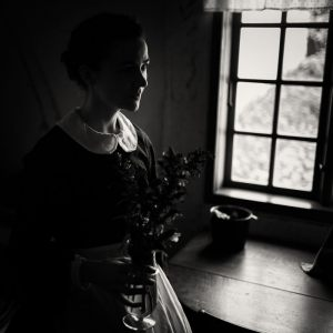 56-Kim-Moeller-Andersen-Pigen_med_blomsterne-Soelv