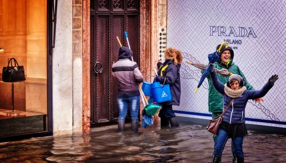 Vand i gaden