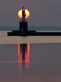 Sunrise_by_Thomas_A_Christensen.jpg