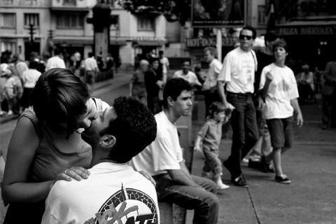 Kys i Paris